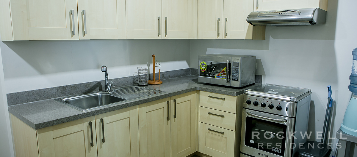 One Rockwell East 1BR FLAT 68SQM