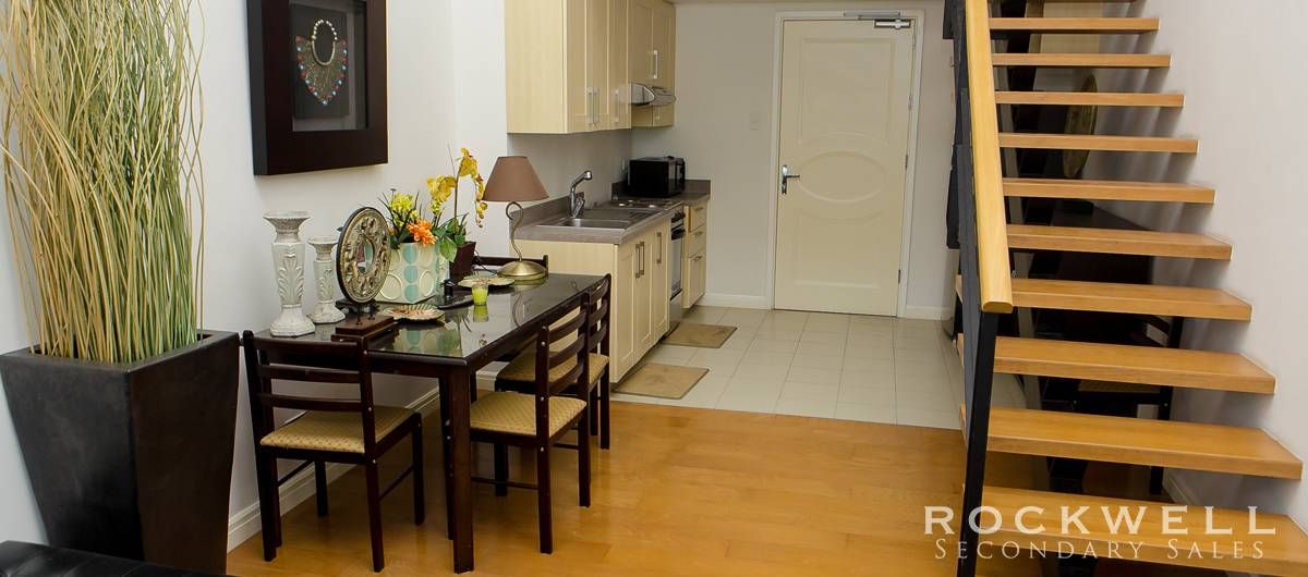 One Rockwell East 1BR ZLOFT 70SQM